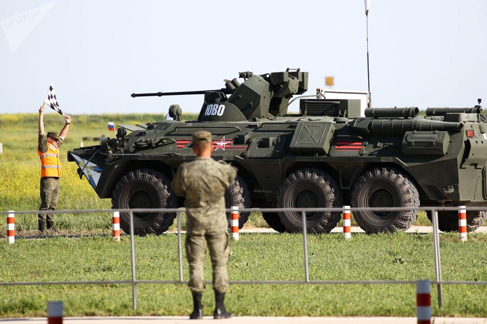Un mezzo d'artiglieria delle truppe di difesa radioelettronica dell'esercito russo alla postazione di tiro