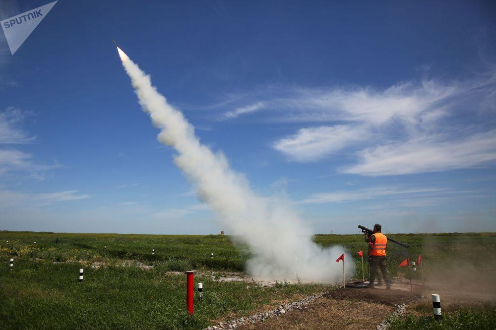 Il missile Igla in volo