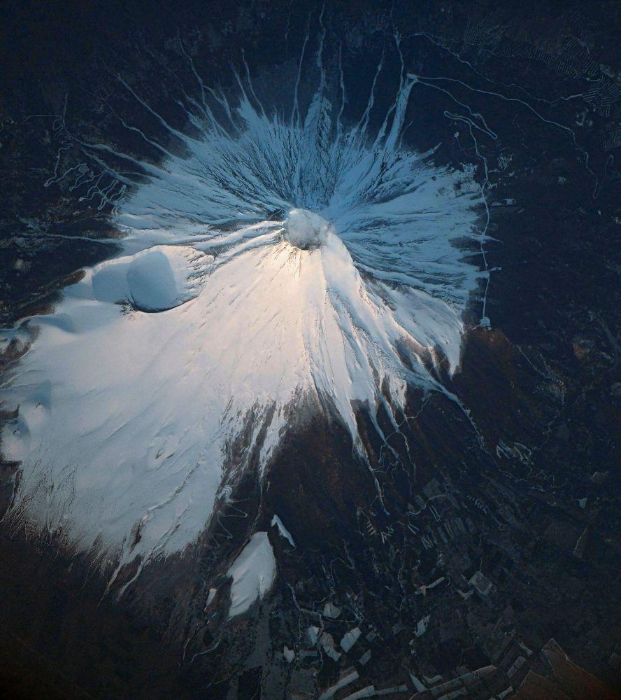 Una fotografia del Monte Fuji scattata dalla Stazione Spaziale Internazionale