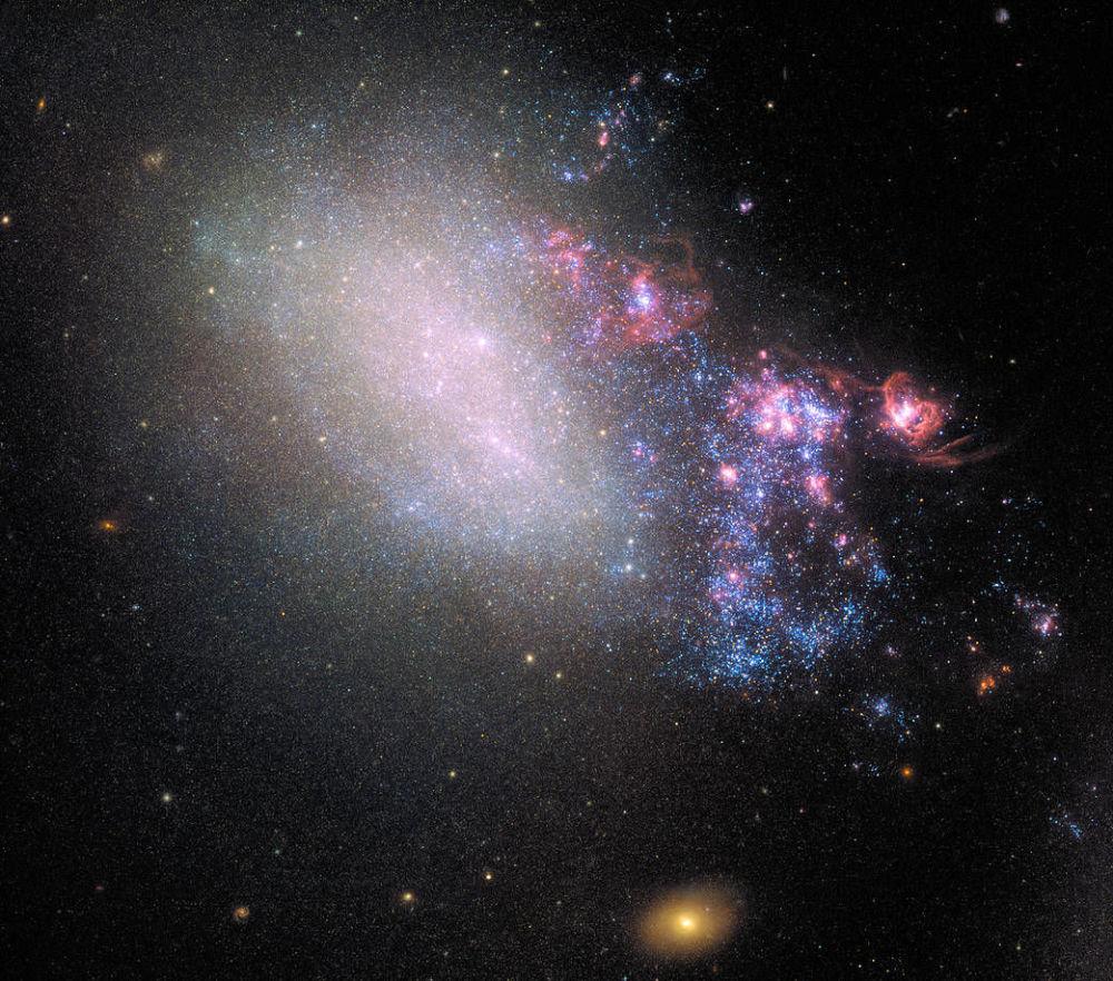 La foto della galassia NGC 4485 nella costellazione dei Cani da Caccia