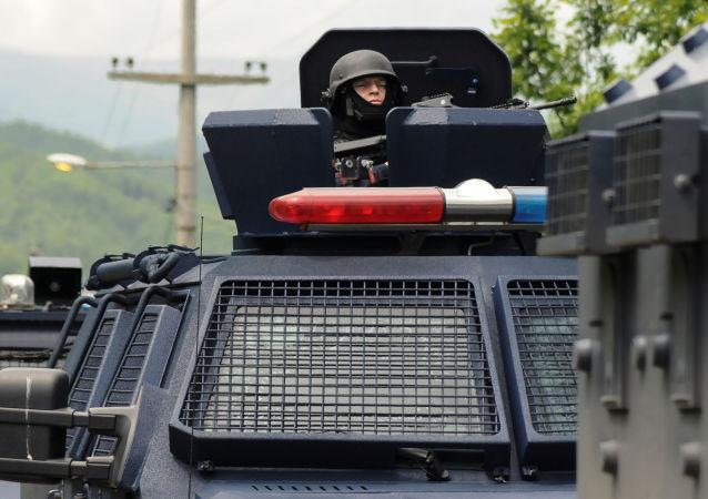 Blitz polizia kosovara in zona abitata da comunità serba
