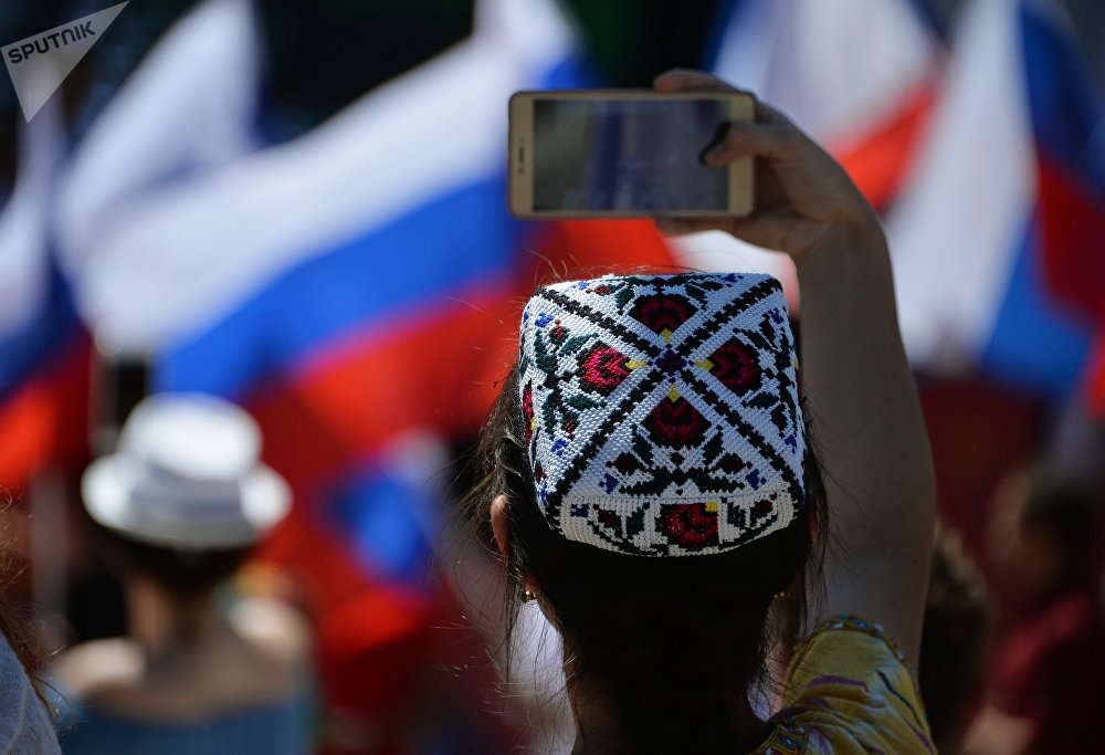 Il Giorno della Russia viene festeggiato in tutto il paese, indipendentemente da fattori individuali quali religione o appartenenza politica