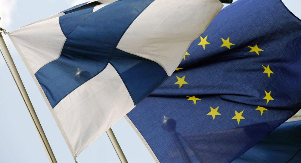 Bandiere della Finlandia e della UE