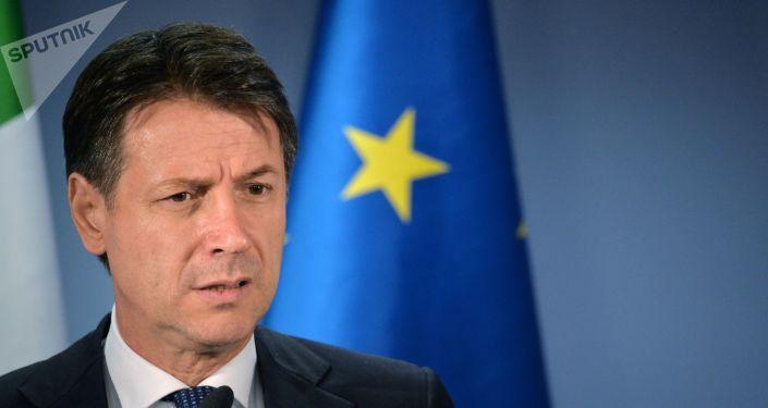 Giuseppe Conte interviene al vertice a Bruxelles