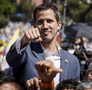 Il leader dell'opposizione venezuelana Juan Guaidó durante una manifestazione a Caracas