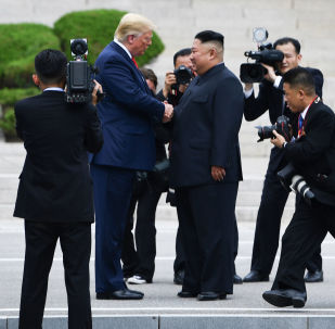 Donald Trump ha incontrato il leader nordcoreano Kim Jong-un nella zona demilitarizzata tra le due Coree