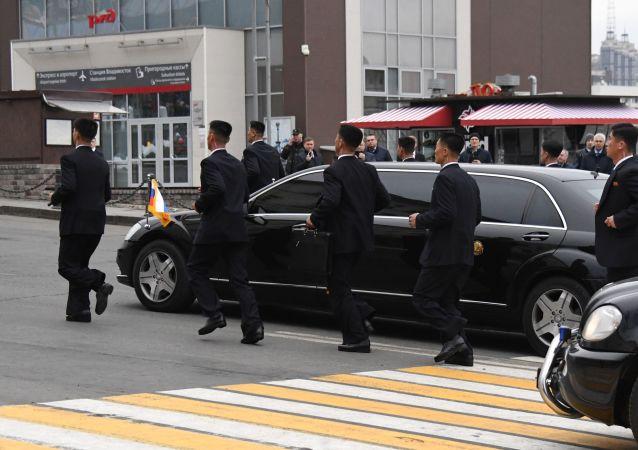 Auto e scorta di Kim Jong-un
