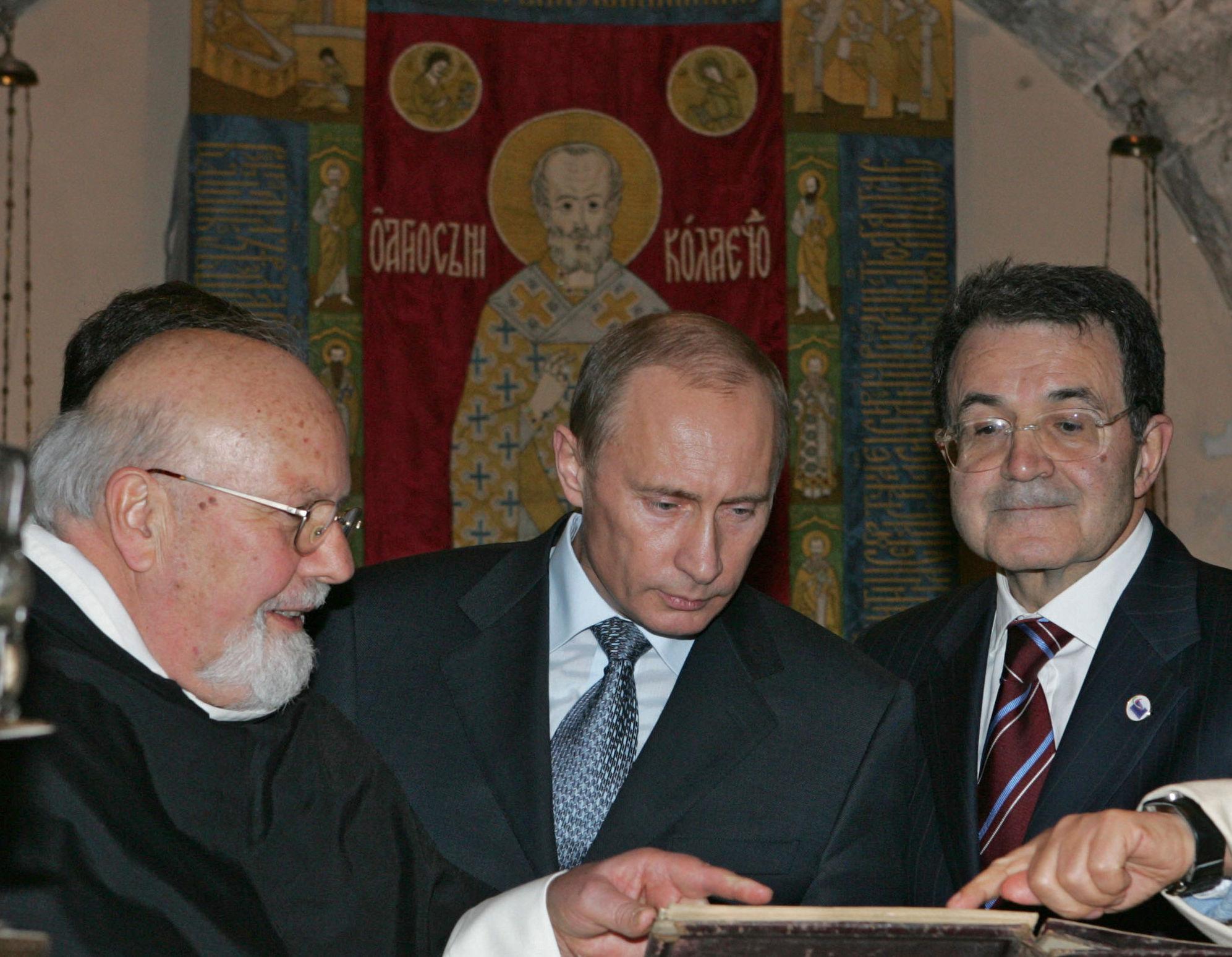 13 Marzo 2007 - Putin e Prodi nella basilica di San Nicola a Bari