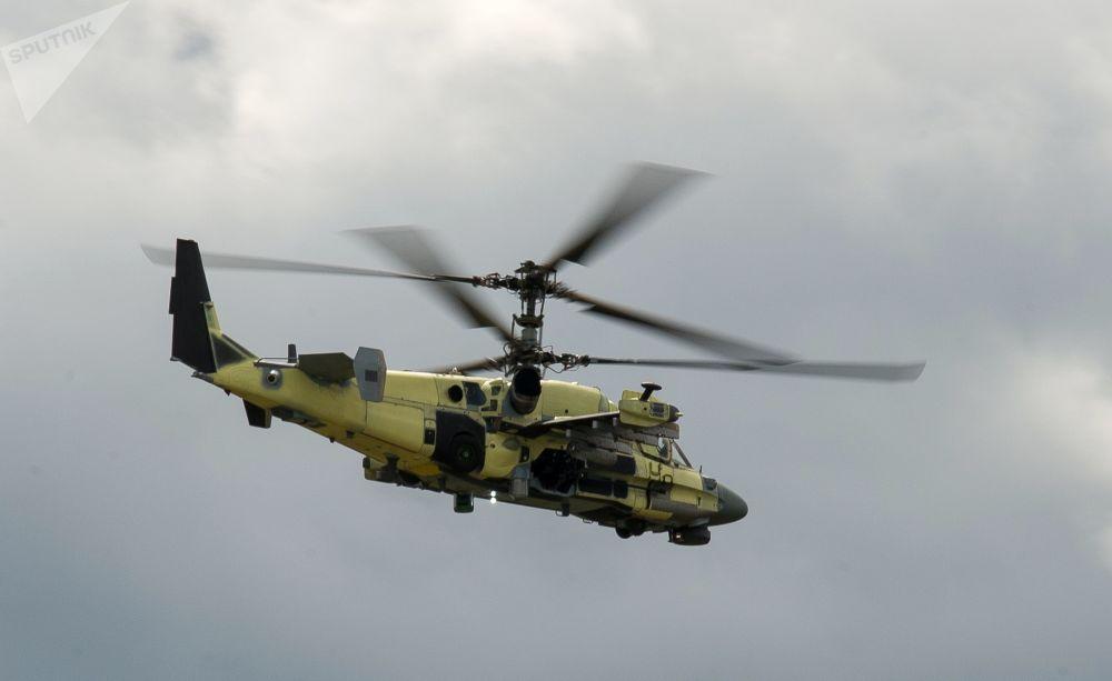 Un elicottero Ka-52 in volo