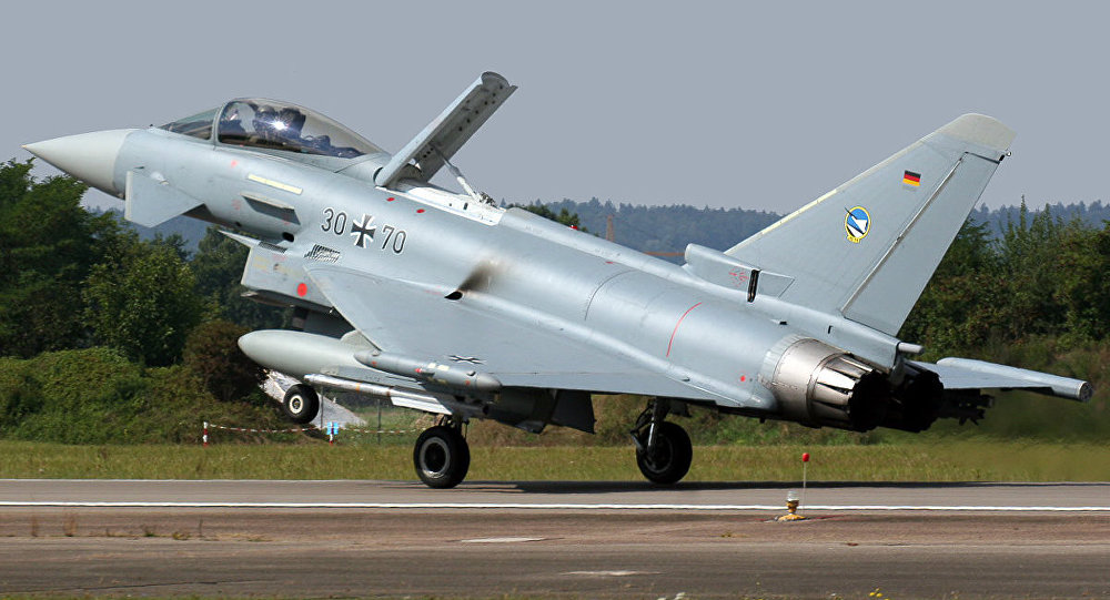 Un caccia Eurofighter Typhoon S tedesco