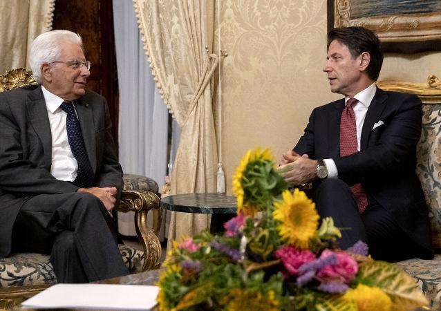 Il Presidente della Repubblica Sergio Mattarella  con il Presidente del Consiglio Giuseppe Conte (foto d'archivio)