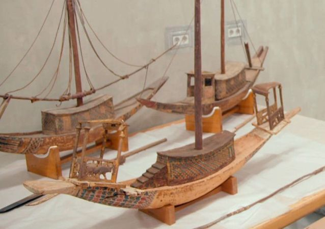 Modelli delle barche che venivano messe nella tomba del faraone Tutankhamon