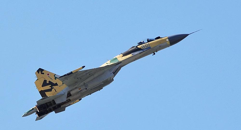 Un caccia Su-35 di quinta generazione
