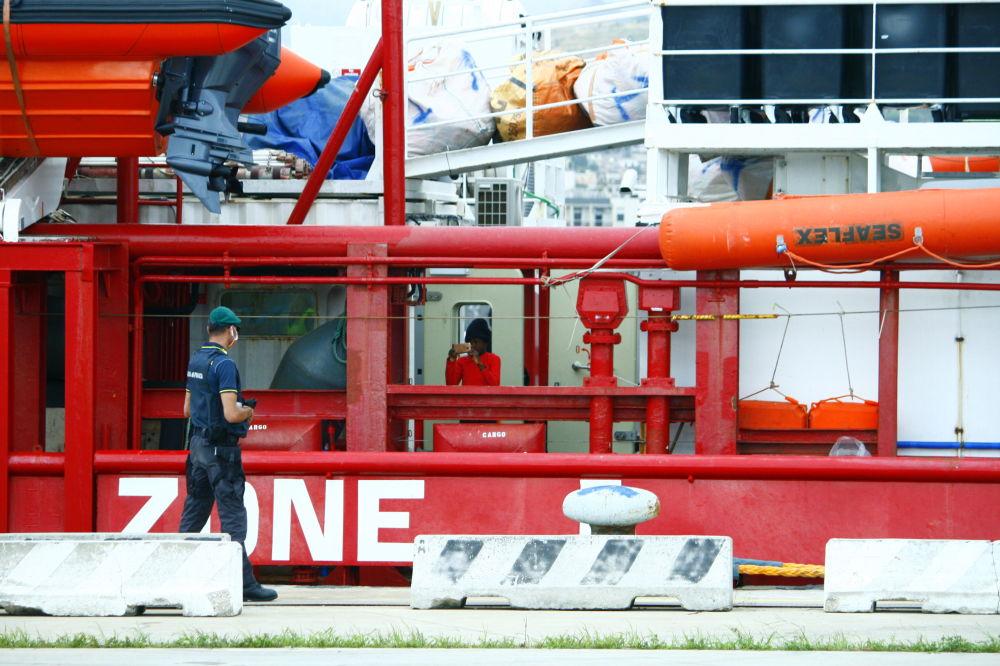 Lo sbarco della Ocean Viking a Messina