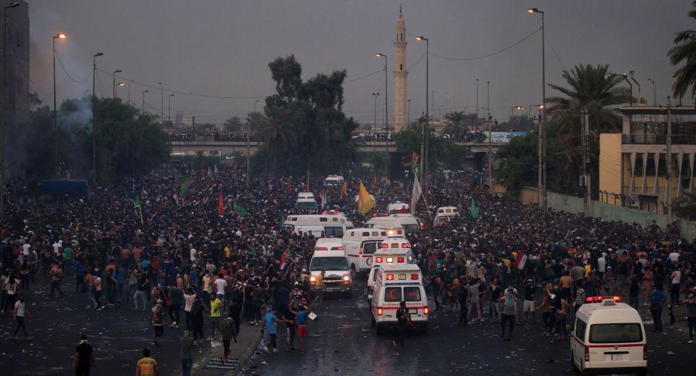 Iraq, proteste e coprifuoco