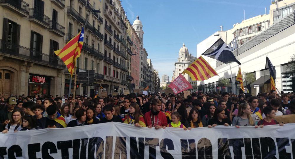 Circa 25 mila studenti hanno preso parte alle manifestazioni di protesta a Barcellona