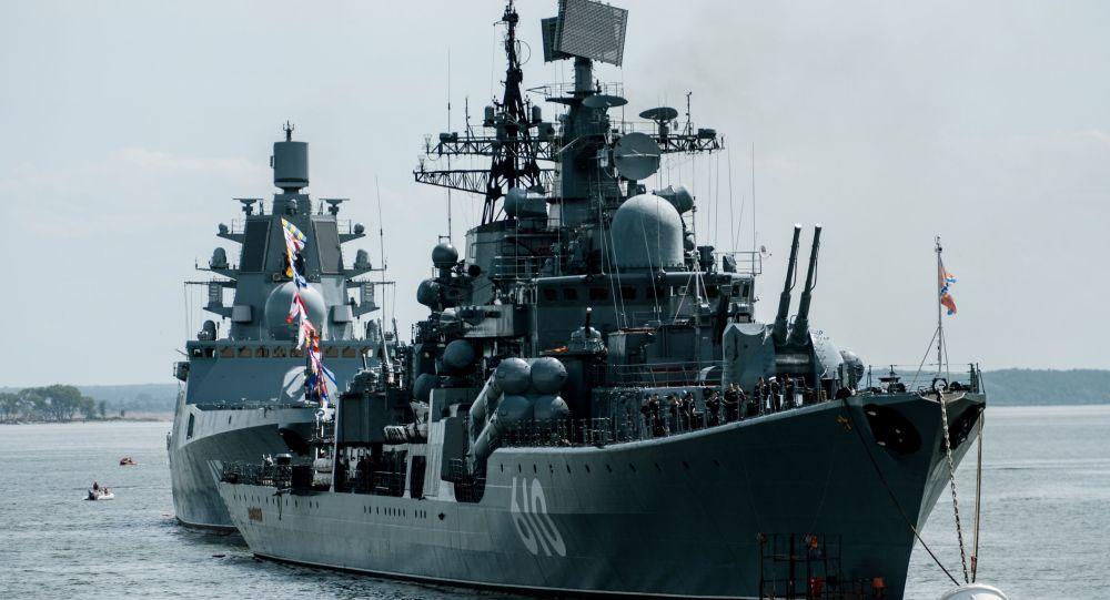 Cacciatorpedinieri della Marina russa nel Baltico (foto d'archivio)