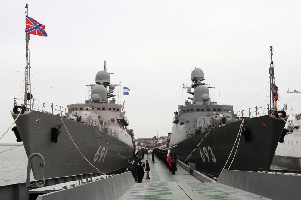 Gli incrociatori missilistici Tatarstan e Daghestan.