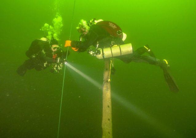 Esplorazione della nave affondata Velox