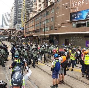 Polizia di Hong Kong si prepara per le proteste