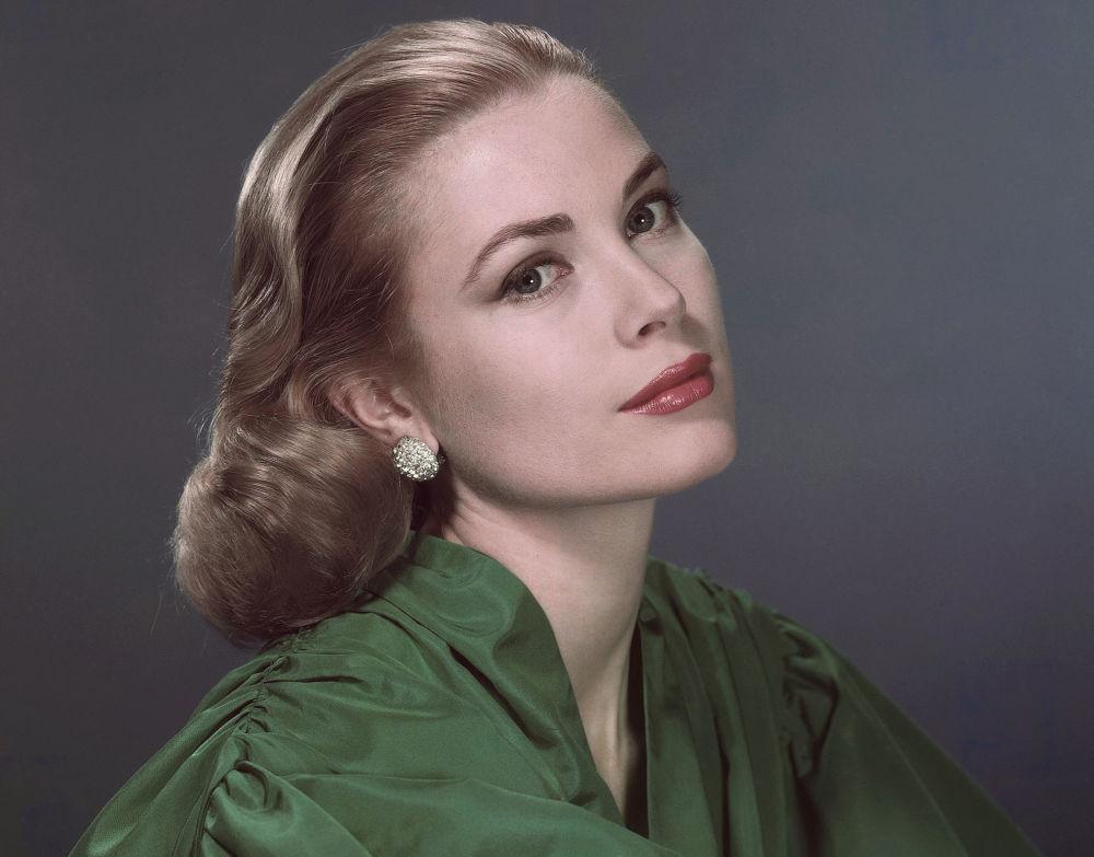 L'attrice americana e la moglie del Principe Ranieri III di Monaco Grace Kelly