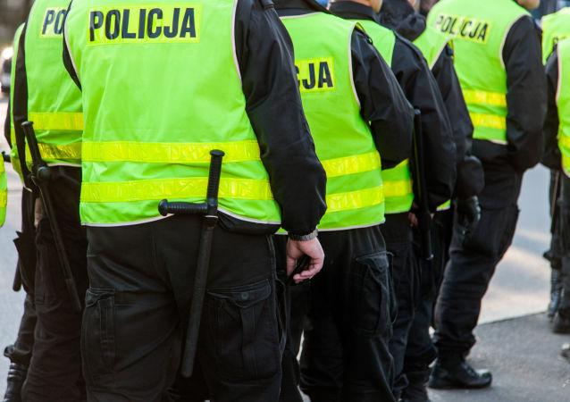 Agenti della polizia polacca