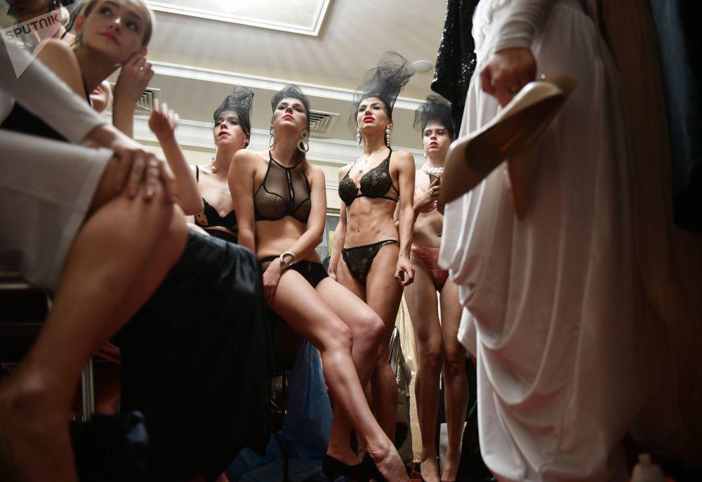 Modelle alla Crimean Fashion Week a Yalta, Russia.