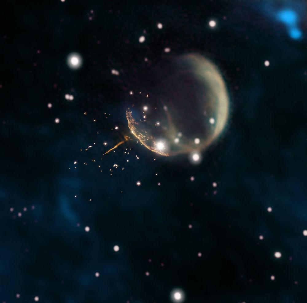 Il residuo di una supernova CTB 1, simile a una bolla, e una traccia diretta e luminosa da una pulsar J0002 + 6216