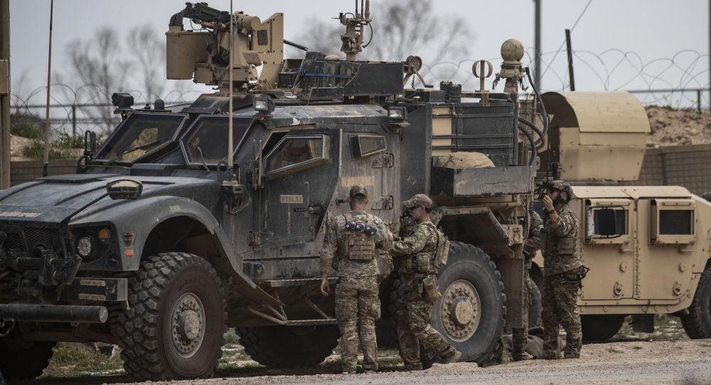 Militari americani alla base Al Omar in Siria