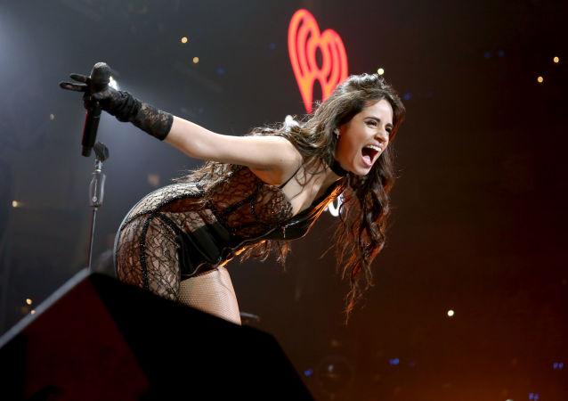 La cantante Camila Cabello esibisce a Dallas, in Texas.