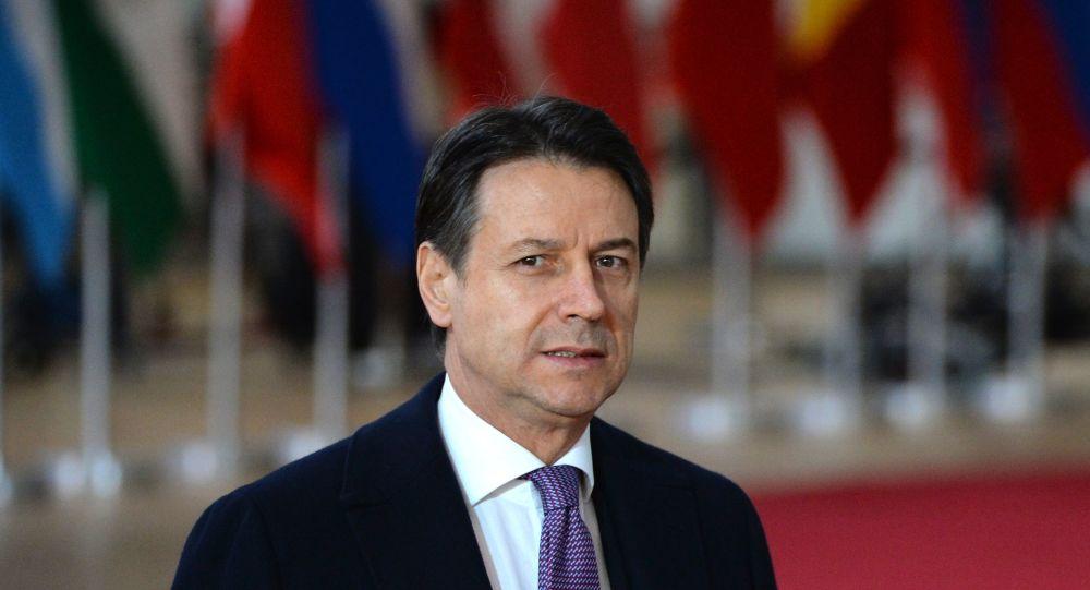 Conte: bonus fino a 2 mila euro per pagamenti digitali - Economia
