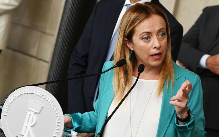 Sondaggi elettorali, Salvini e la Lega calano ma tengono