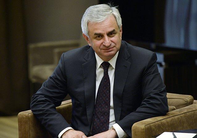 Presidente dimissionario dell'Abcasia Raul Khajimba  (foto d'archivio)
