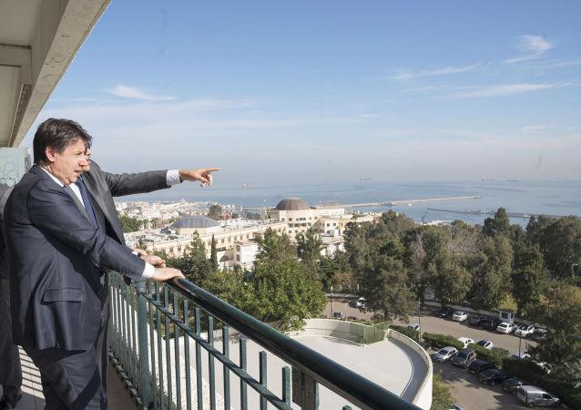 Il Presidente del Consiglio, Giuseppe Conte, incontra al Palazzo del Governo il Primo Ministro della Repubblica Algerina Democratica e Popolare, Abdelaziz Djerad.