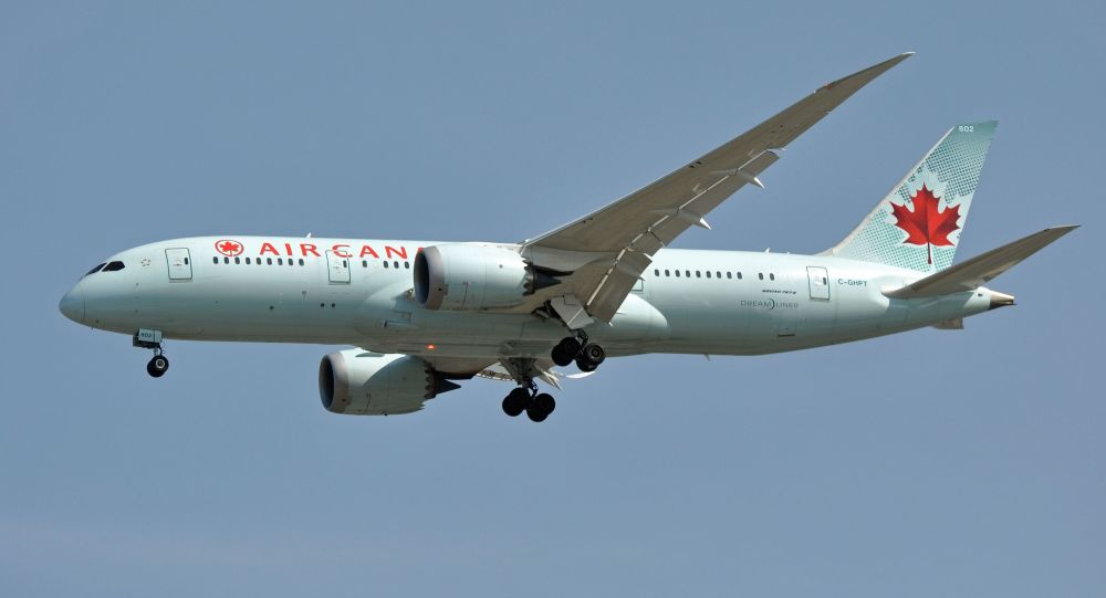 Madrid, atterraggio d'emergenza per Boeing di Air Canada