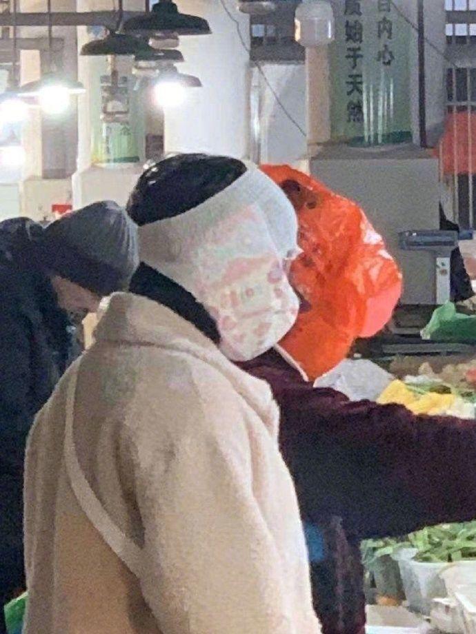 Maschere originali contro il coronavirus in Cina
