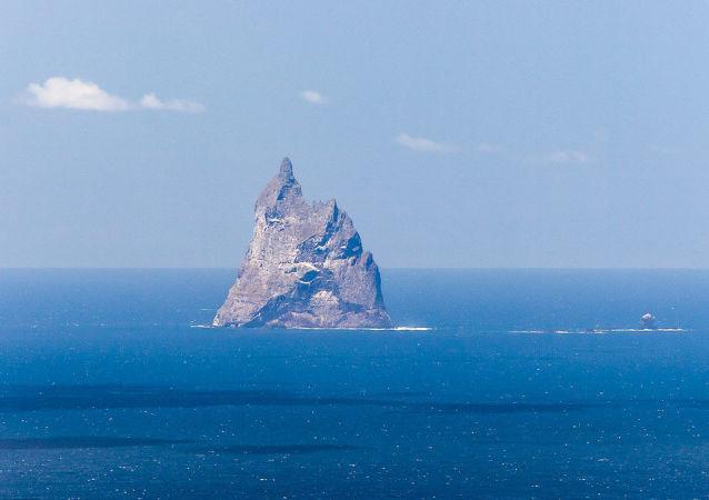 Piramide di Ball ed Islanda di Wheatsheaf