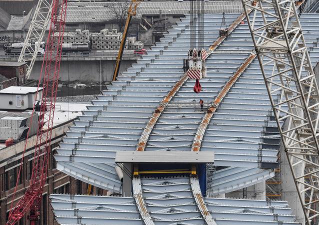 La costruzione del nuovo ponte a Genova