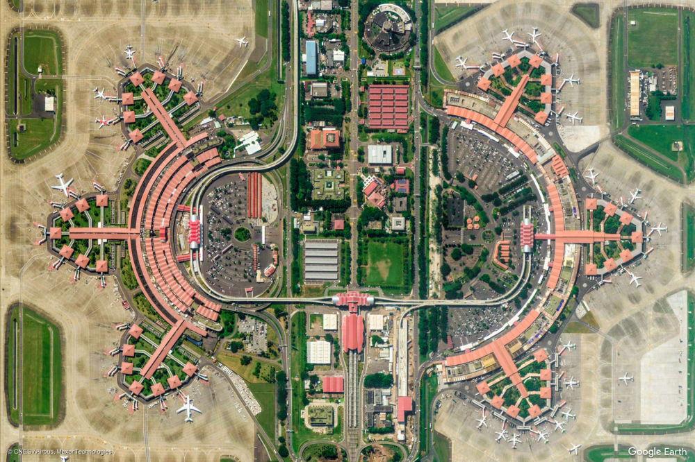 Vista dell'aeroporto internazionale Soekarno-Hatta a Tangerang nella provincia di Banten, Indonesia