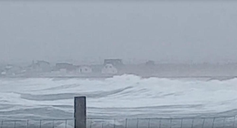 Dennis: la tempesta sferza la Gran Bretagna: 'Potenzialmente mortale'