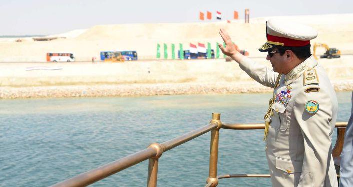 Presidente dell'Egitto Al Sisi alla ceremonia dell`apertura di nuovo Canale di Suez